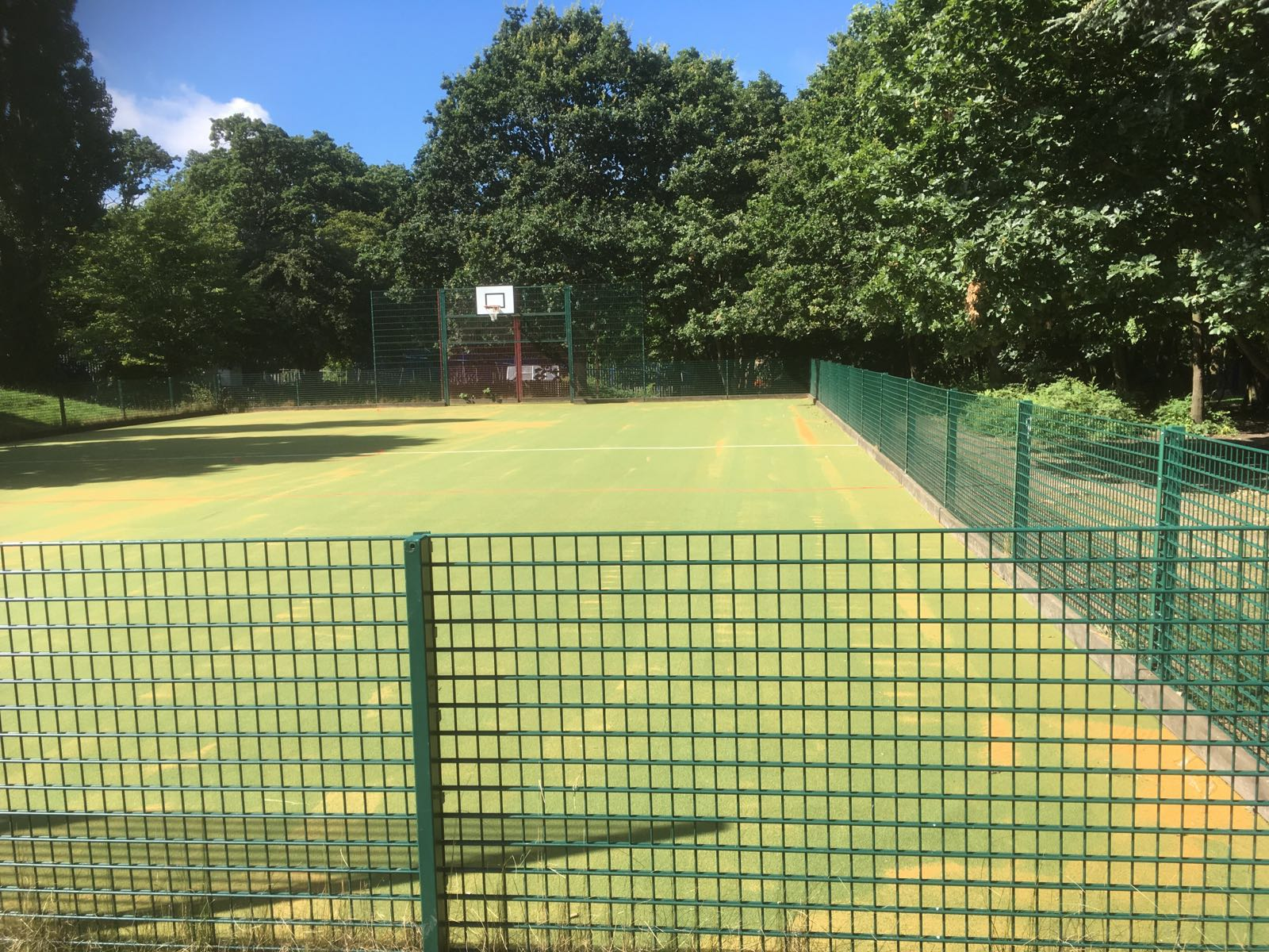 Revitalise your sports venue with a new Matchplay II surface, suitable for a wide variety of sports.