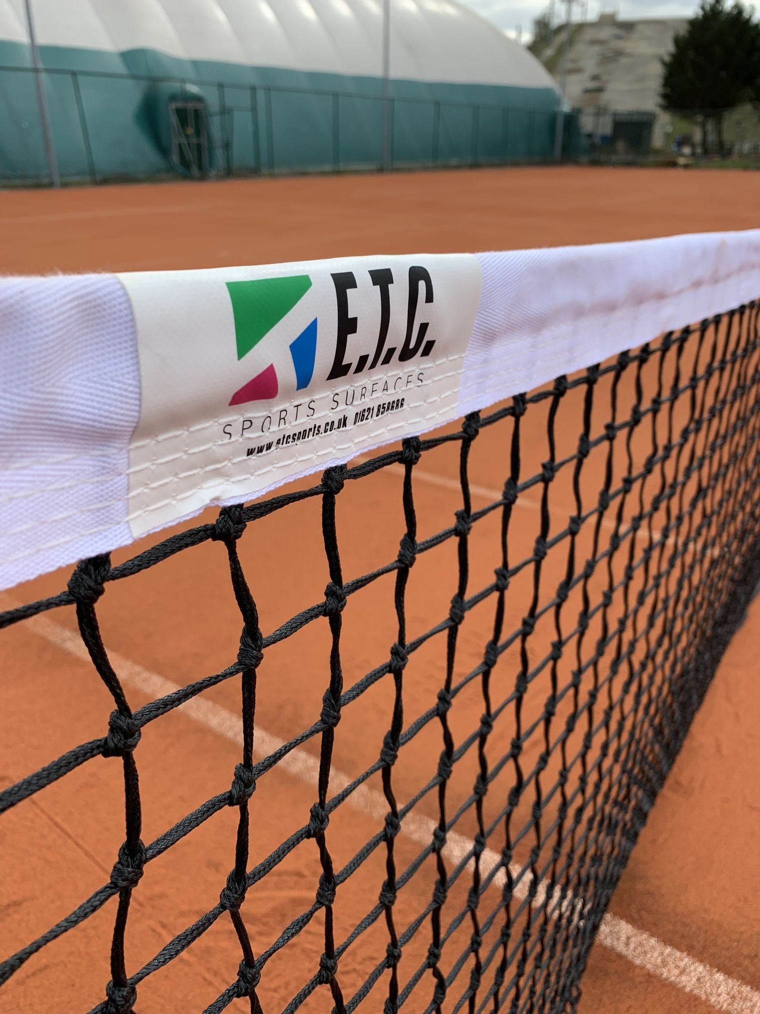 ETC Sports Surfaces provide a great range of fencing for the UK's artificial clay tennis courts.