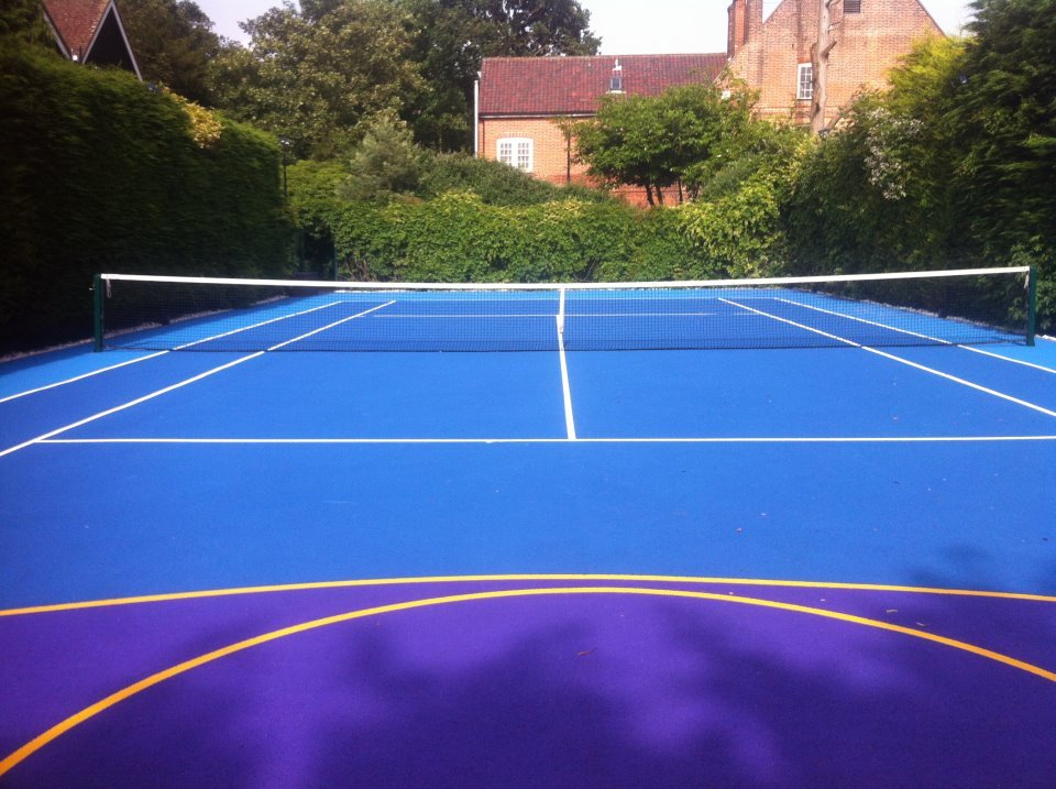 Hard tennis courts can be finished with a variety of colours