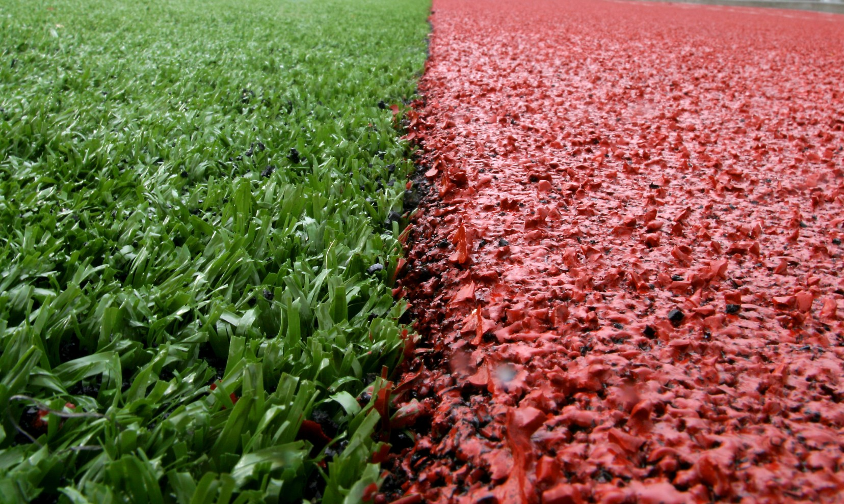 A 4G pitch construction offers the same artificial turf finish as a 3G surface, but with no rubber infill