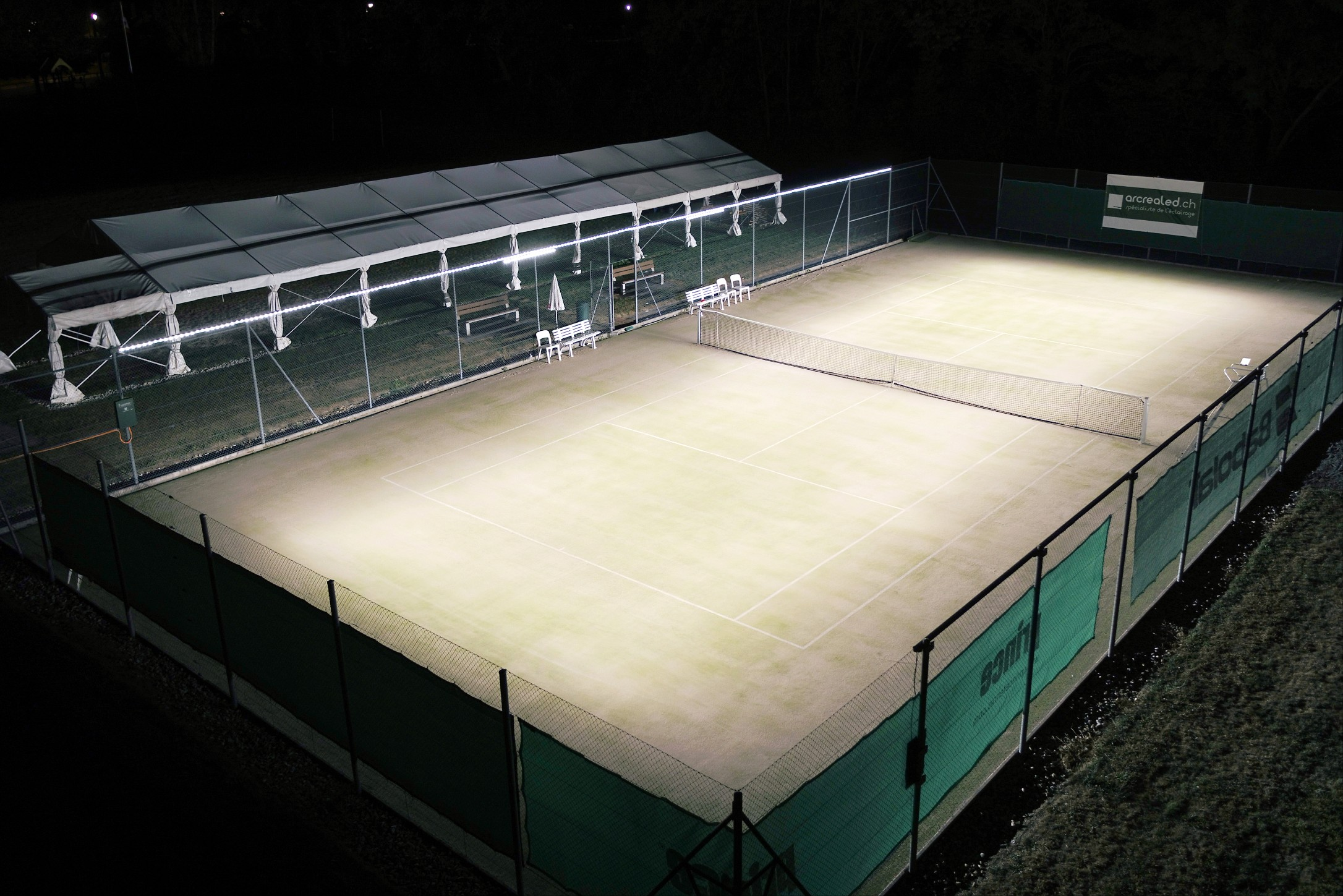 Tweener®'s revolutionary LED tennis court lighting provides optimal floodlighting at half the cost.