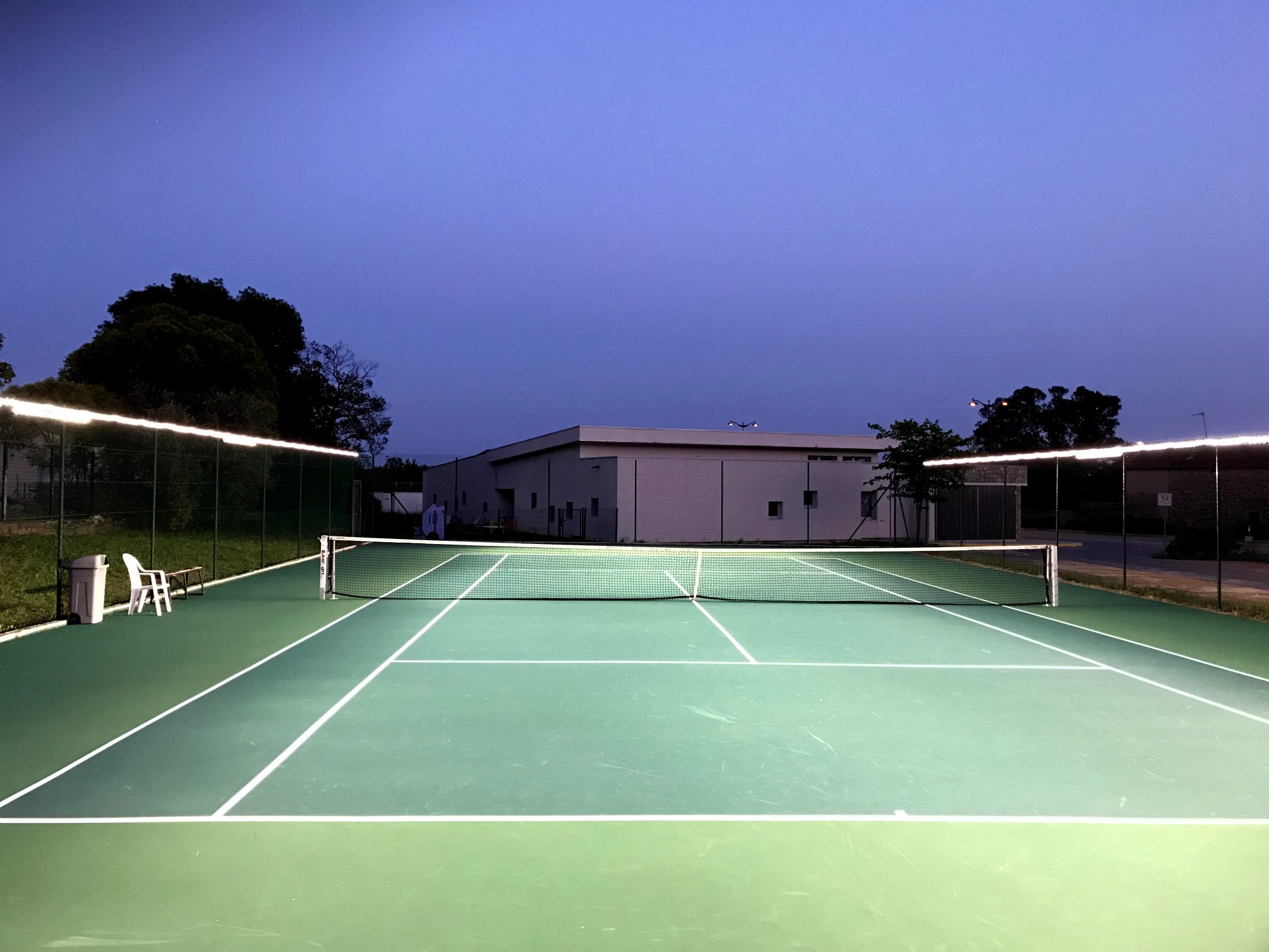 New advances in LED tennis court lighting from Tweener® provide outstanding court illumination at a fraction of the cost.