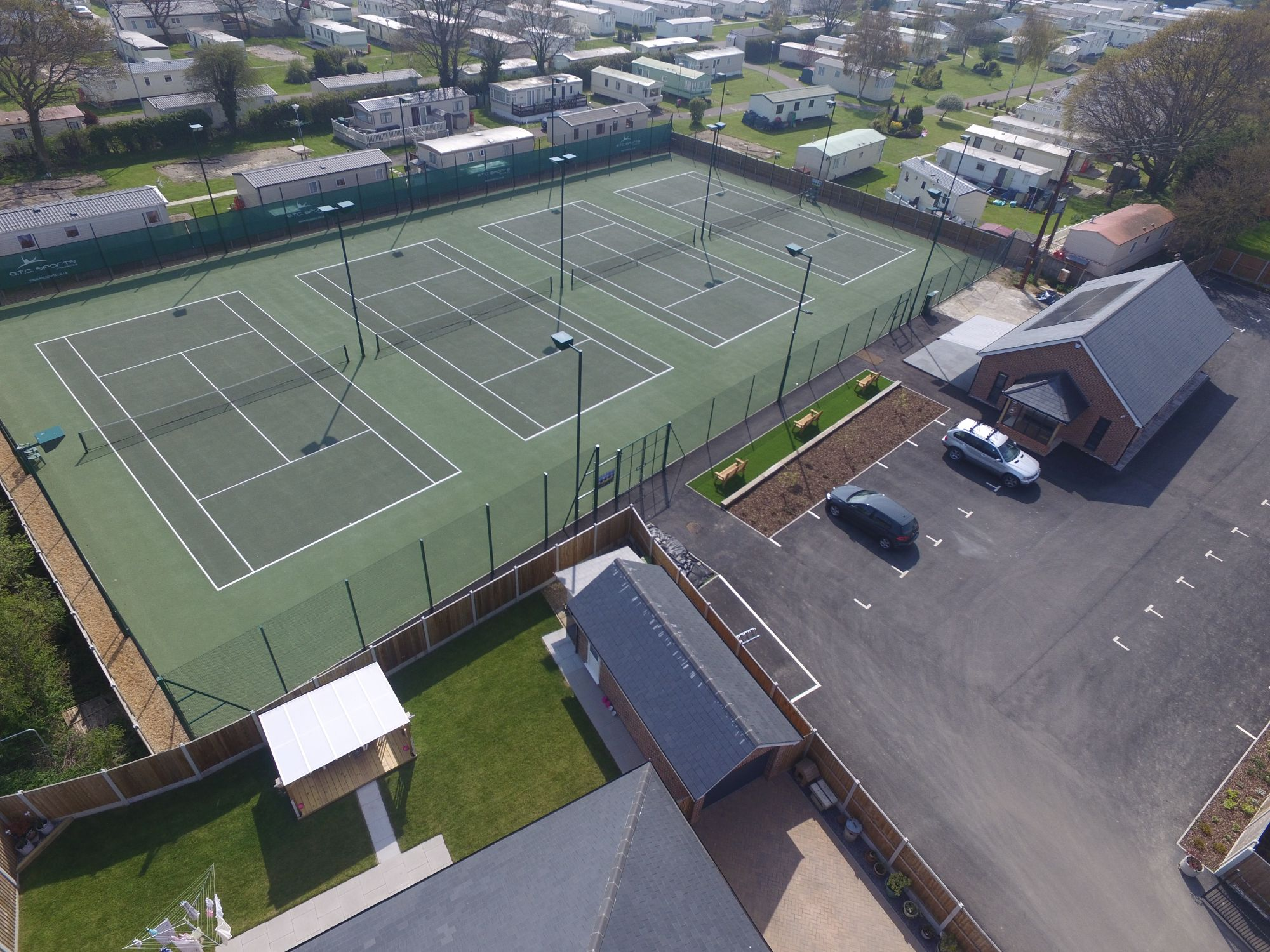 ETC Sports Surfaces worked closely with SAPCA and the LTA to ensure that these hard tennis courts comply with the highest industry specifications